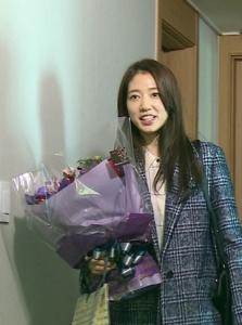 Park Shin Hye Kejutkan Jung Yong Hwa Di Acara Barunya