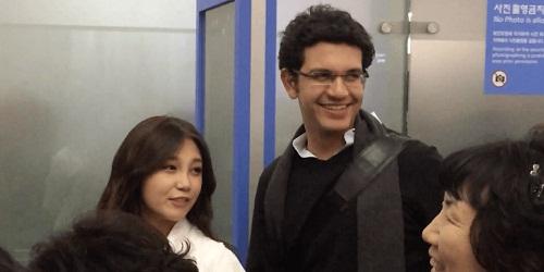 A Pink Eunji Perkenalkan Pacar Asingnya Kepada Para Wartawan
