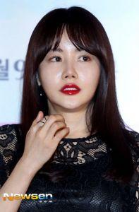 [Foto] Chanyeol EXO , Mun Ka Young, Hwang Woo Seul Hye, Park Geun Hyung, Yun Yeo Jeong dalam Konfrensi Pers Film 'Salute D'Amour'4