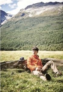 [Foto] Jun Ji Hyun dan Nam Joo Hyuk Jalan-jalan di Hutan New Zealand untuk NEPA