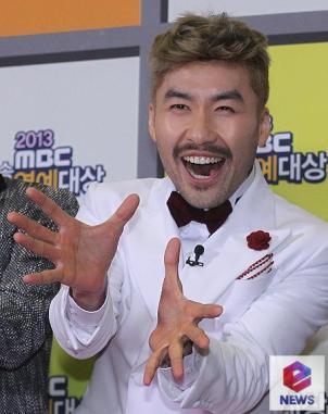 """Pemirsa Ingin Noh Hong Chul Kembali Ke """"Infinity Challenge"""", Ini Buktinya!"""