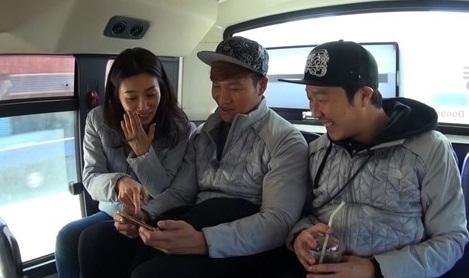 """Jadi Bintang Tamu di """"Running Man"""", Aktris Ini Tampaknya Naksir Kim Jong Kook!"""