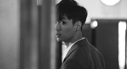 Alasan Lay Tidak Akan Keluar Dari EXO