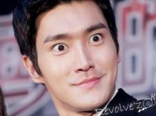16 Ekspresi Wajah Konyol Siwon!