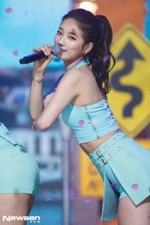 [Foto] Suzy Saat Tampil di M! COUNTDOWN