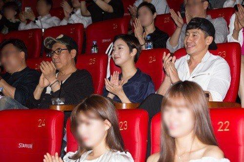 Foto Lama Shin Ha Kyun dan Kim Go Eun Menyebar Di Internet (2)