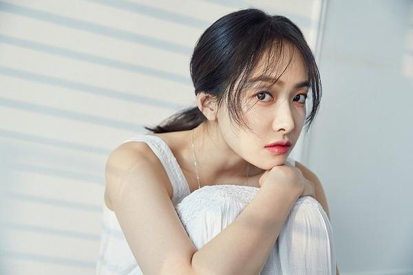 berita-kpop-terbaru-f-x-victoria-tanggapi-rumor-pacaran-dengan-aktor-china