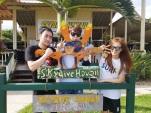 berita-kpop-terbaru-sm-entertainment-bagi-foto-foto-kegiatan-ulang-tahun-ke-20-di-hawai15