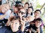 berita-kpop-terbaru-sm-entertainment-bagi-foto-foto-kegiatan-ulang-tahun-ke-20-di-hawai16