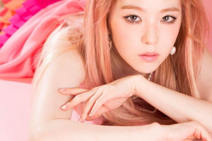 Foto Irene dengan Warna Rambut Baru untuk Comeback Red Velvet