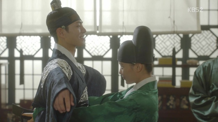 sinopsis-drama-korea-moonlight-drawn-by-clouds-love-in-the-moonlights-episode-8-part-2-6