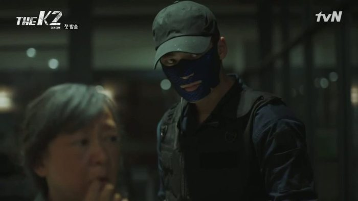 sinopsis-drama-korea-the-k2-episode-1-part-2-4